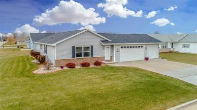 Menasha Single Family Home Active-Offer No Bump: 1020 Tracey