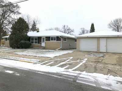 Neenah Multi Family Home Active-Offer No Bump: 206 Caroline
