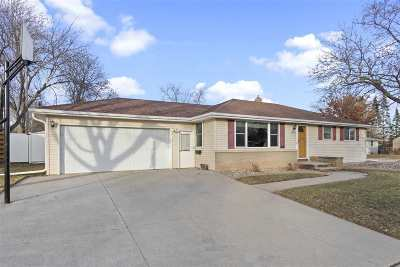 Appleton Single Family Home Active-Offer No Bump: 1320 E Pershing