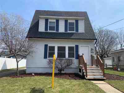 Menasha Single Family Home Active-No Offer: 370 Elm