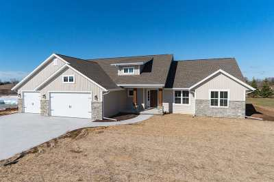 Oshkosh Single Family Home Active-No Offer: 2135 Morningstar