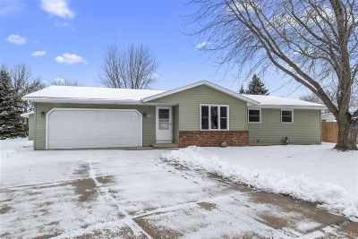 Appleton Single Family Home Active-Offer No Bump: 1508 E Moon Beam