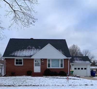 Green Bay Single Family Home Active-No Offer: 1090 Biemeret