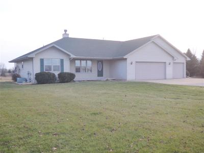 Pulaski WI Single Family Home Active-Offer No Bump: $239,900