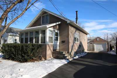 Oshkosh Single Family Home Active-Offer No Bump: 1430 Knapp