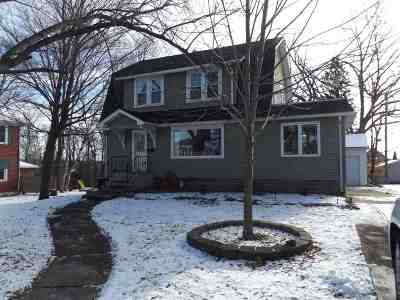 Kaukauna WI Single Family Home Active-Offer No Bump: $128,500