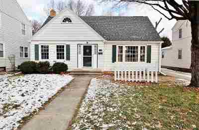 Green Bay Single Family Home Active-No Offer: 1130 Reed