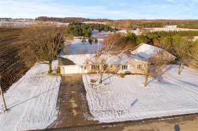 Luxemburg Single Family Home Active-No Offer: E2282 Hill
