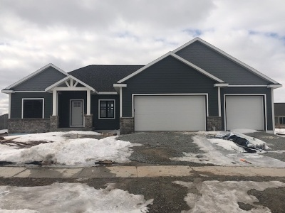 Green Bay Single Family Home Active-No Offer: 1561 Drusillas