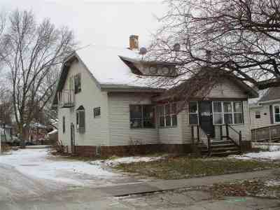 Green Bay Single Family Home Active-No Offer: 1130 Stuart