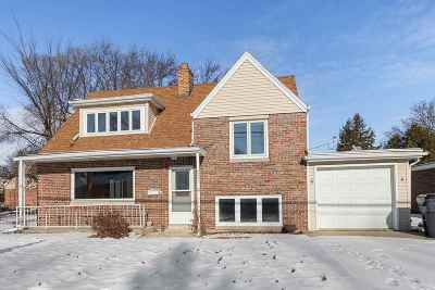 Neenah Single Family Home Active-Offer No Bump: 508 Cecil