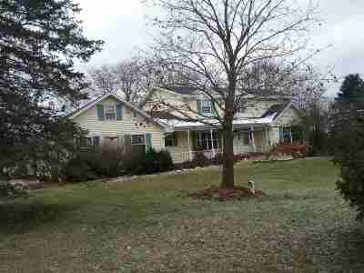 Black Creek Single Family Home Active-No Offer: W4931 Burdick