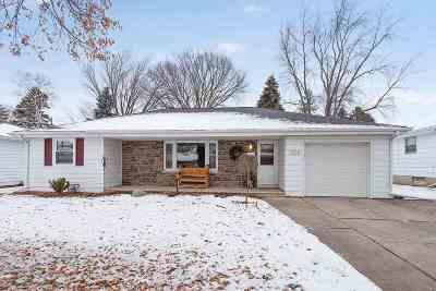 Green Bay Single Family Home Active-Offer No Bump: 2025 Zeise
