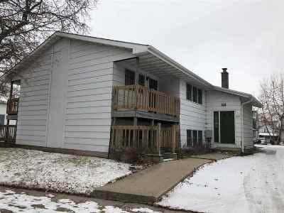 Oshkosh Multi Family Home Active-Offer No Bump-Show: 517 Washington