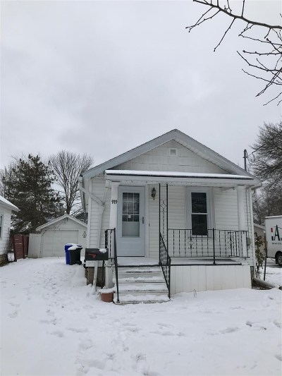 Appleton Single Family Home Active-No Offer: 919 W Commercial