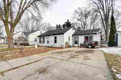 Green Bay Single Family Home Active-No Offer: 1139 Wirtz