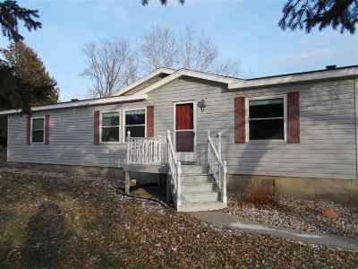 Menominee Single Family Home Active-No Offer: N638 S P-3