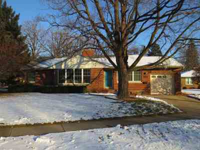 Oshkosh Single Family Home Active-Offer No Bump-Show: 1614 Clarks