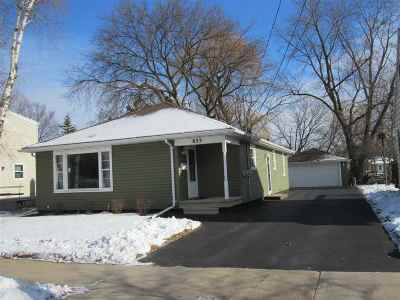 Menasha Single Family Home Active-Offer No Bump: 833 Appleton