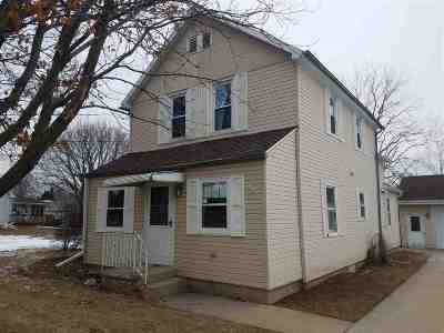 Kaukauna Single Family Home Active-No Offer: 991 Buchanan