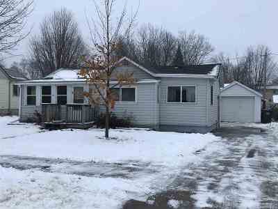 Shawano Single Family Home Active-No Offer: 936 S Smalley