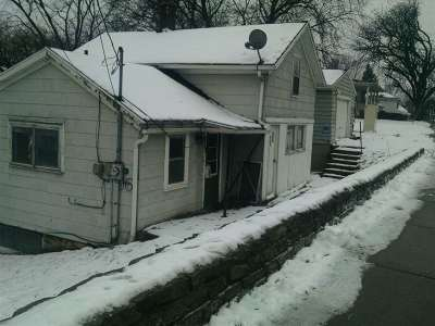 Little Chute Single Family Home Active-No Offer: 217 Canal
