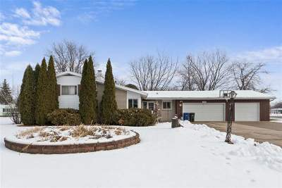 Menasha Single Family Home Active-Offer No Bump: 1339 Stead