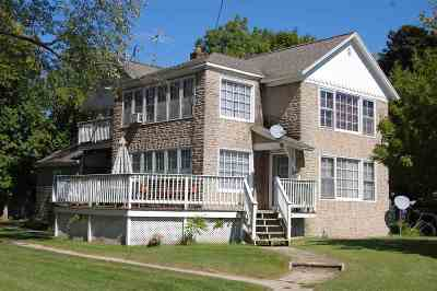 Multi Family Home Active-No Offer: 209 Frank