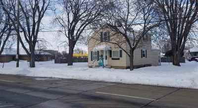 Oshkosh Single Family Home Active-Offer No Bump: 1048 Durfee
