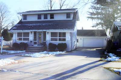 Little Chute WI Single Family Home Active-Offer No Bump: $129,900