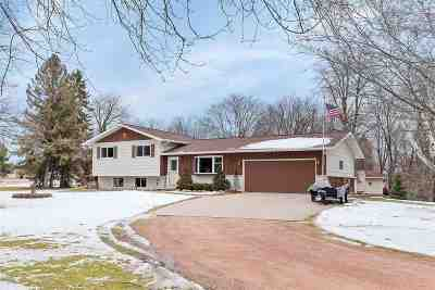 Menasha Single Family Home Active-No Offer: 6430 W Lakeview