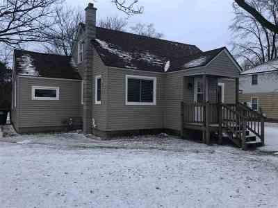 Shawano Single Family Home Active-Offer No Bump: 808 S Evergreen