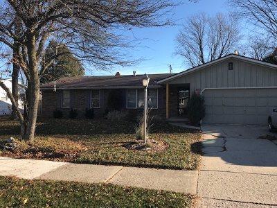 De Pere Single Family Home Active-No Offer: 803 St Joseph