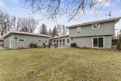 Winneconne Single Family Home Active-Offer No Bump: 6852 Sunset