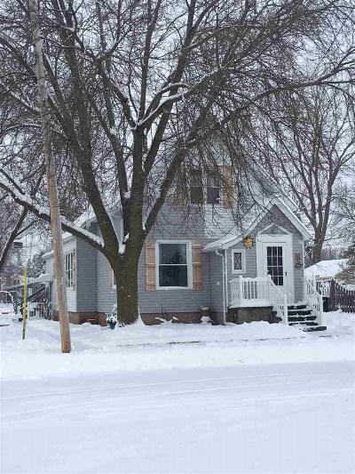 Oshkosh Single Family Home Active-Offer No Bump: 1203 Dove