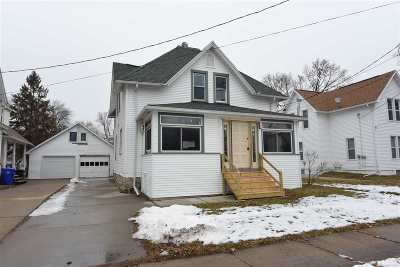 Appleton Multi Family Home Active-Offer No Bump: 1108 W 8th #A &