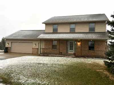 Sherwood Single Family Home Active-Offer No Bump: N8055 Lake Breeze