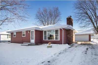 Neenah Single Family Home Active-No Offer: 1552 Collins