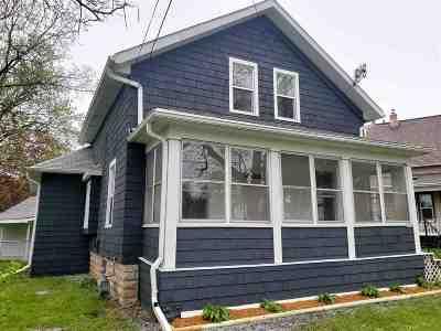 Oshkosh Single Family Home Active-No Offer: 1727 Elmwood