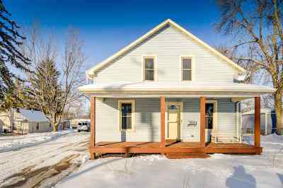 Appleton Single Family Home Active-No Offer: 208 E Calumet