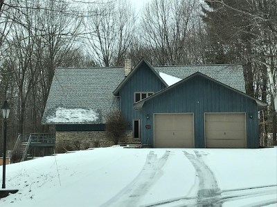 Oconto County Single Family Home Active-Offer No Bump: 5791 Wedgewood