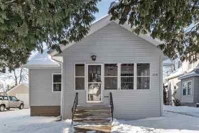 Menasha Single Family Home Active-Offer No Bump: 359 Oak
