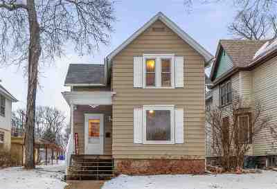 Kaukauna WI Single Family Home Active-No Offer: $114,900