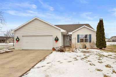 Appleton Single Family Home Active-Offer No Bump: W5425 Red Clover