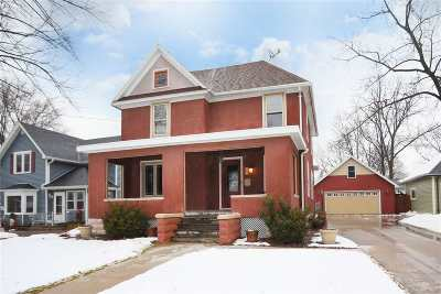 Kaukauna WI Single Family Home Active-Offer No Bump: $149,900
