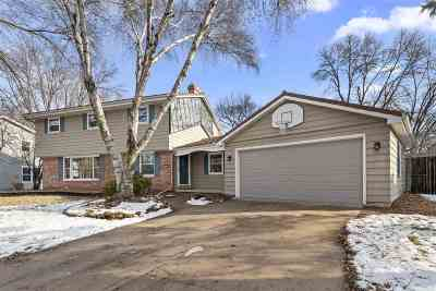 Appleton Single Family Home Active-No Offer: 1830 N Birchwood