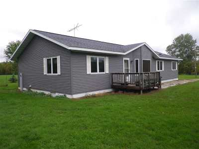 Oconto Falls Single Family Home Active-Offer No Bump: 7588 Splinter Creek