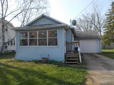 Menasha Single Family Home Active-No Offer: 513 6th