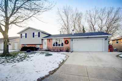 Appleton Single Family Home Active-Offer No Bump: 1615 E Moon Beam