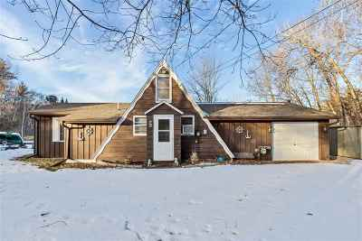 Waupaca Single Family Home Active-No Offer: E942 Tammy